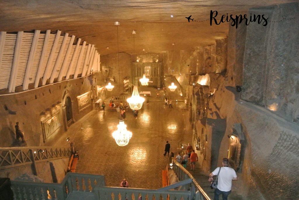 Op een warme zomerdag is het bezoeken van de koele Wieliczka-zoutmijn een zeer aangenaam uitstapje
