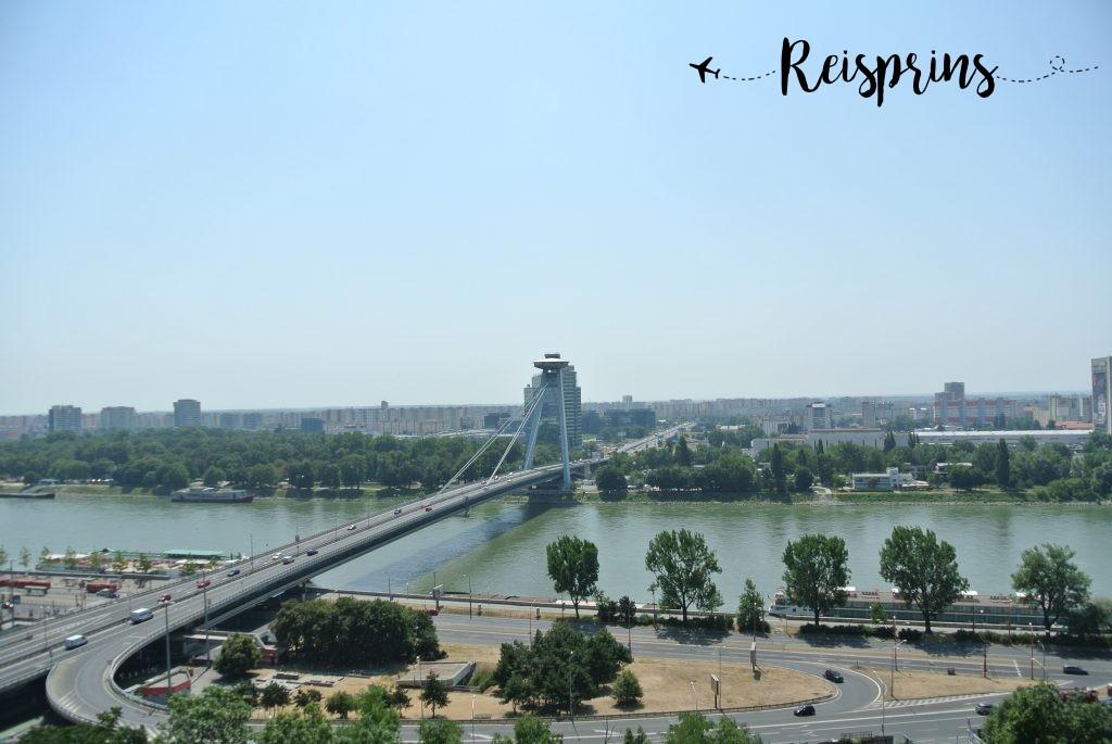 De Brug van de Slowaakse Nationale Opstand over de Donau