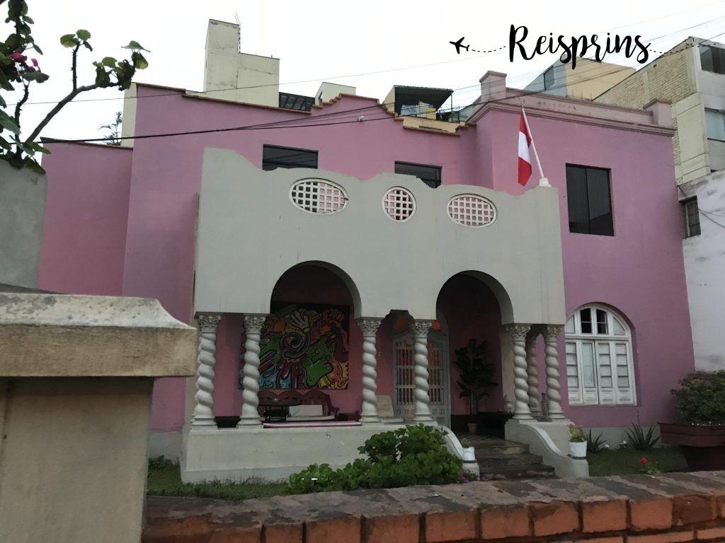Ons eerste hostel van Peru lag in een van de betere wijken van Lima, Miraflores.