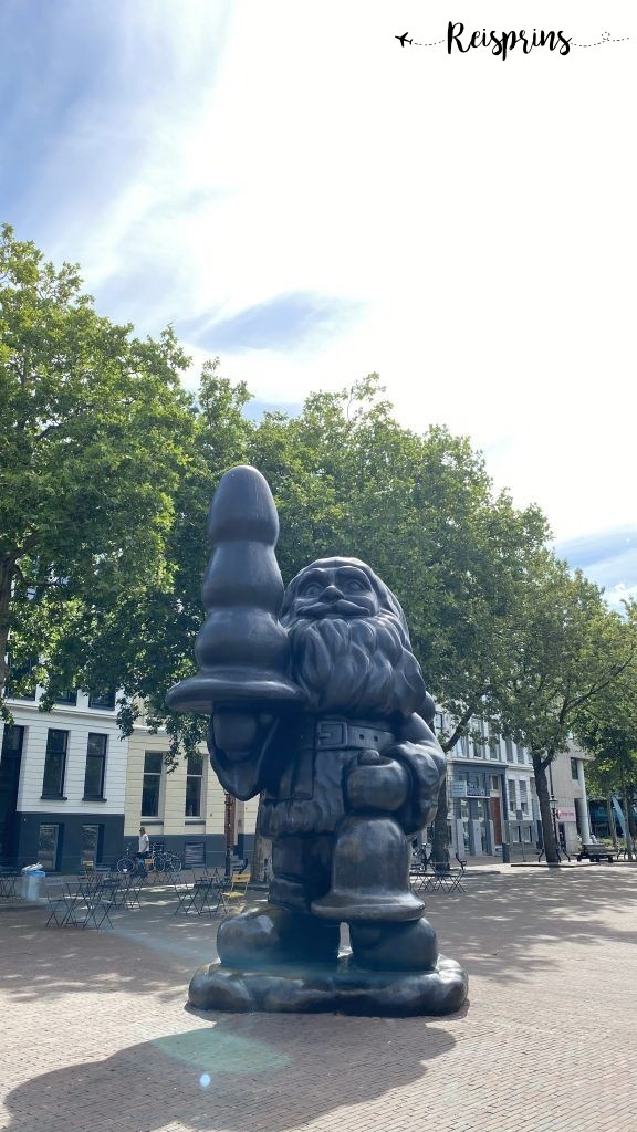 Santa Claus, ook bekend als Kabouter Buttplug[